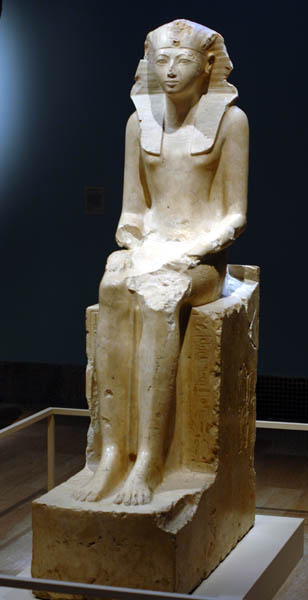 Seated Hatshepsut statue