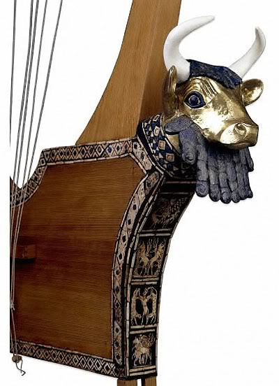 Close-up Bull-headed lyre