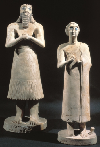statuettes-of-two-worshipers